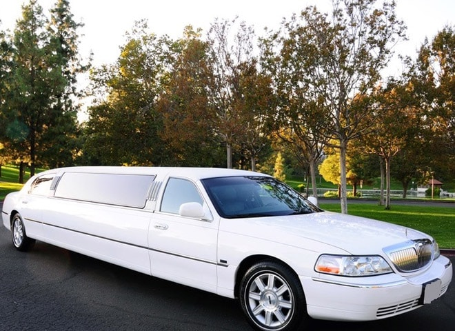 White Lincoln stretch limousines