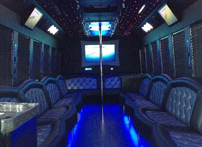 Mini Coach Service in Redlands